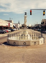 Boll Weevil Monument, Enterprise, AL, Photo by Jimmy Emerson, jimmywane on Flickr.com, Creative Commons License - Some Rights Reserved (Attribution, Non-Commercial, No Derivative Works)