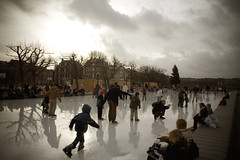 Museumplein Amsterdam 2006 (siebe ) Tags: winter holland reflection ice netherlands dutch amsterdam museumplein bravo skating nederland explore skate brueghel ijsbaan schaatsen ijspret ratedpro aplusphoto oudjaar2006 wintersfeer ratedproaintnewbie aintnewbie invitedphotosonlyaintnewbie awhoahphoto hollandsiebe amsterdamstock hollandstock