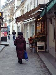 Madame goes shopping (jglsongs) Tags: flowers woman paris france fleurs shopping march parijs parigi pary ruemouffetard   pa   pariz   paryius jglsongs     pariisiin
