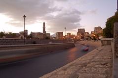 /Sana'a (Yemen) (eesti) Tags: road travel building car minaret middleeast mosque arab arabia yemen sanaa wadi 2007 arabiafelix   westasia