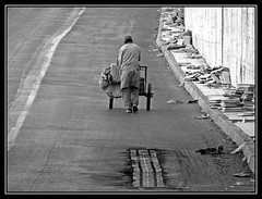 Tiempo de construccin - Construction time (jose_miguel) Tags: street bw espaa white man black byn blanco miguel calle spain bravo searchthebest y jose negro morocco maroc marrakech marrakesh stolen marruecos hombre robado magicdonkey instantfave 25faves marraquech abigfave panasoniclumixfz50 shieldofexcellence aplusphoto