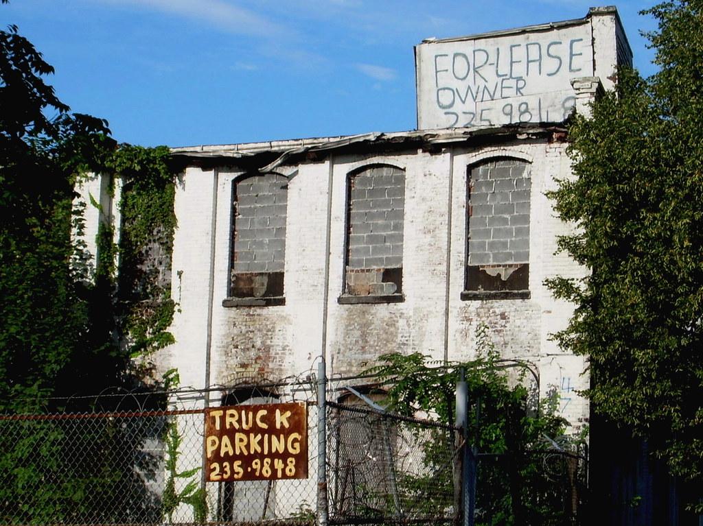 truck parking, cypress hills
