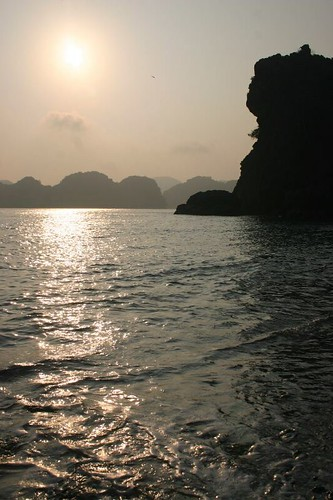 Setting sun in Halong Bay