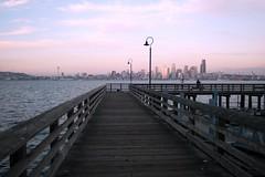 Seattle skyline from Alki Beach pier (Antonio Silveira Puertas) Tags: seattle beach skyline pier muelle downtown waterfront alki castauelas