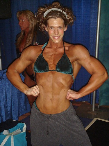 Amy Schmid Looks Ripped At 2007 Arnold Classic