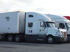 christmas spirit (NE Central WI Truck Photography) Tags: international vanguard dryvan