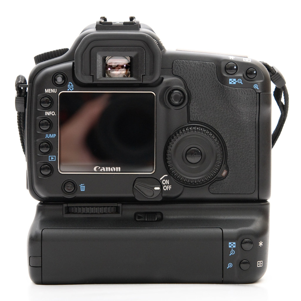 Canon EOS 30D (Body) with BG-E2 (Battery Grip)