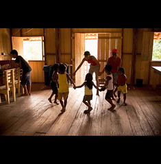 Health and Happiness ( Tatiana Cardeal) Tags: brazil people brasil digital children photography hope education documentary happiness superfantastique tatianacardeal fotografia topf100 par ngo brsil amazonia socialchange amazonie amaznia enviroment documentaire sustainabledevelopment caboclo documentario tapajs ribeirinho  projetosadeealegria healthandhappinessproject desenvolvimentosustentvel changemaker tapajsarapiunsextractivistreserve suruac resex reservaextrativistaarapiuns saudeealegria