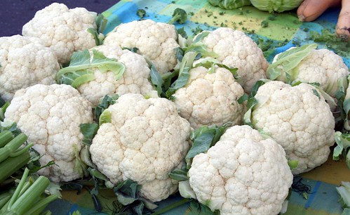 Farmer's Market Cauliflower by theblog.