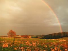 Lumière du Gers (Pablo escogrif) Tags: sunset rainbow champs fields coucherdesoleil arcenciel gascogne gers guillaumemassardier