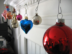 Christmas Bulbs-Mantle