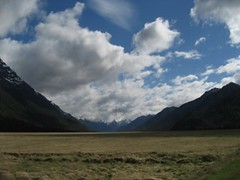 Glorious Landscape in New Zealand (Sir Francis Canker Photography ) Tags: viaje wedding newzealand panorama cloud mountain lake montagne movie landscape francis lago interestingness interesting perfect honeymoon boda lac valle lord rings valley scenary cabeza nz southisland queenstown lordoftherings milford lopez mariage kiwi paco montaa remarkables montagna wakatipu depth matrimonio nube novios lunademiel anillos kiwiland noces fiordland seor lucena seordelosanillos signore vallee anelli arenz