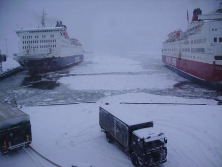 Entre los barcos, helado