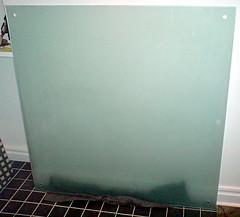 Säljes - whiteboard i färgat och frostat glas