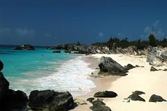 Bermuda Beaches (2) (travisbda/ On part time.) Tags: ocean water sand wasser mare lakes rivers beaches bermuda acqua impressedbeauty bermudabeacheslandseaoceanlakesriverscreeks holidaysvacanzeurlaub