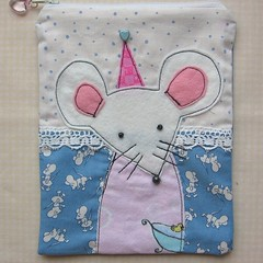 Pyjama party mouse - pouch