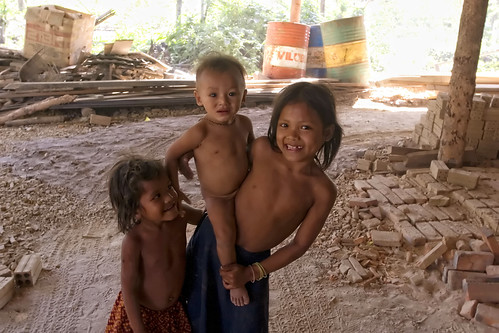 Flickriver: Photoset Kids in Cambodia. by Robin Thom