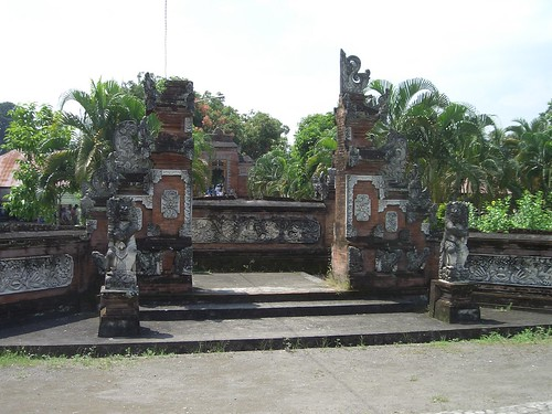 2006 04 05121 Indonesia - Lombok - Pura Lingsar