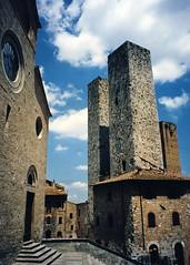 San Gimignano (kimbar/Thanks for 2.5 million views!) Tags: italy beautiful towers sangimignano oldcity globalvillage kiss1 globalcity invitedphotosonly gvadminshalloffame itsabeautifulgv