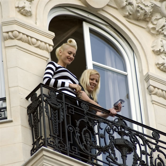how to get gwen stefani hairstyles. Gwen Stefani Updo Hair