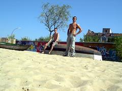 Boyband (Prc74) Tags: summer music sun tree berlin men beach me wall boat sand simone boyband sabbia berlino uomini 2guys torsonudo