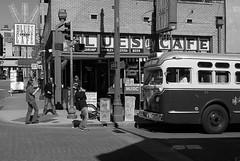Backbeat Bus #2 (0zzie) Tags: bw set memphis zack bealestreet 0z memphistennessee 0zzie 355822feb07 zackjennings memphisset