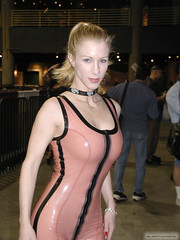 Pz000000000023 copie (AlainG) Tags: las vegas 2004 fetish models wells olympus bondage latex corset eden stiletto bondcon c2100