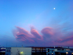 dans (Arnr Snr) Tags: pink blue red sky moon clouds dancing cloudsinicelandfebruary28th2007