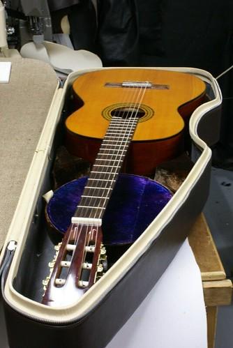 Calder classic w guitar