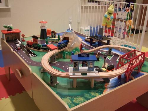 Imaginarium Train Table Set Up Instructions & Train Table Wooden ...