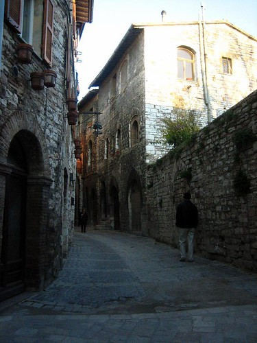 An inviting road in Assisi