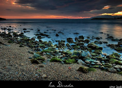 La Dorada (Aitor Escauriaza) Tags: blue sunset sea sky green water d50 sand nikon stones quality 1855 reus seasand outstandingshots aitorescauriaza aplusphoto sunsetrotianet