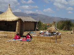 2004-Per-232-Uros (Christ_Lemay) Tags: peru uros titicaca altiplano puno perou floatingisland