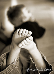 boy (david_CD) Tags: bw feet kids children kid child losangles interestignes10