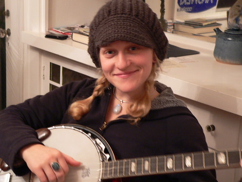 Raina and her banjo