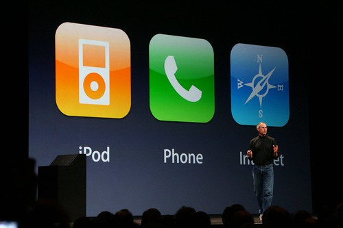 Steve Jobs presenta iPhone