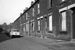Attercliffe, Sheffield, 1971. (Fray Bentos) Tags: industry fiat sheffield yorkshire 19thcentury 1500 terracedhouses attercliffe industrialhousing