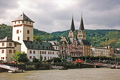 Boppard along the Rhine (Brenda Anderson) Tags: cruise film river germany geotagged europe 1993 rhine contiki boppard scannedprint curiouskiwi brendaanderson geo:lat=50233845 geo:lon=7595576 curiouskiwi:posted=2007