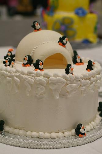Penguins on my cake! by NoNo Joe.