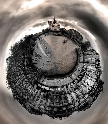 Notre Dame Miniplanet