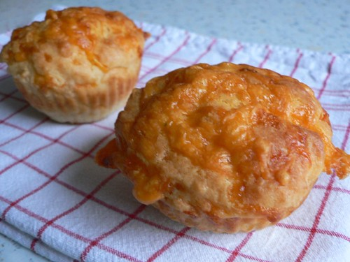 Welsh rarebit muffins