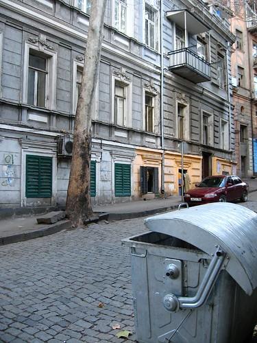 A street in T'Bilisi, Georgia / ティビリシ市道(グルジア)