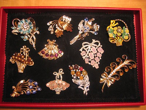 Tray with my vintage brooches