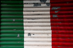 Italian (Garage) Flag (smcgee) Tags: nyc family red white newyork green d50 shopping italian paint manhattan flag january photowalk 2007 unseasonablywarm chinatowntosoho recordhightemperatures