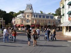 Empty Disney (3)