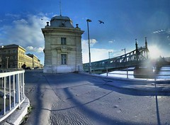 Budapest - 07-01-2006 - 14h57 (Panoramas) Tags: bridge blue light sky panorama sun backlight de point geotagged puente liberty licht soleil back pod hungary shadows budapest perspective ponte bleu most ciel libert franz pont brug duna brcke franois vanishing danube hdr szabadsg hd contrejour backlighting ptassembler bitume gegenlicht kpr ombres danau fuite hongrie ferenc etiennecazin  jzsef  geo:lat=47486839 geo:lon=19056709 smartblend tiennecazin