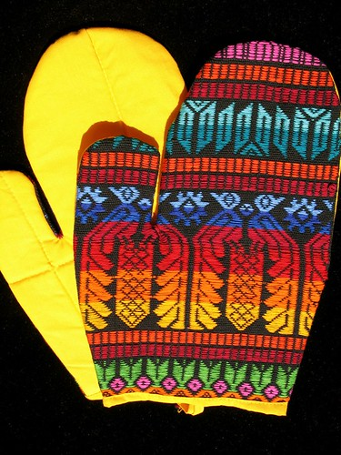 Guatemalan Kitchen Gloves
