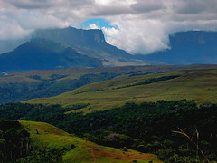 tepuyes (jaque al rey) Tags: mountains table ilovenature venezuela paisaje gran sabana tablemountains