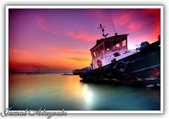 The End Of Another Day (Jamal Alayoubi) Tags: pink sunset red sea boat nikon long kuwait d200 hdr jamal doha abigfave aplusphoto fushy alayoubi