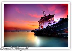 The End Of Another Day (Jamal Alayoubi) Tags: pink sunset red sea boat nikon long kuwait d200 hdr jamal doha abigfave aplusphoto fushy alayoubi